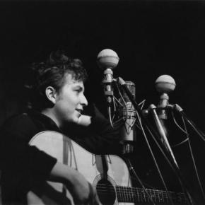 De Kerouac, Steinbeck y Guthrie: la juventud de Robert Allen Zimmerman, alias BobDylan